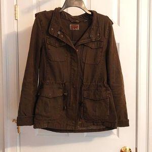 *CLEARANCE* EUC Levi's Jacket Size M